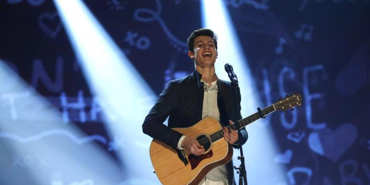 Shawn Mendes en los MuchMusic Video Awards 2015