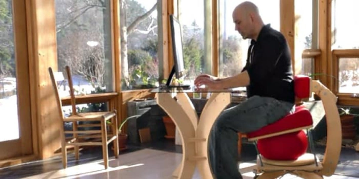 Sprang Chair, la silla que te permite perder peso mientras trabajas