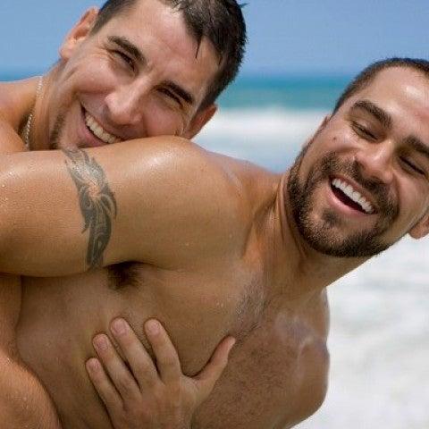 Kit básico de sexo veraniego para gays