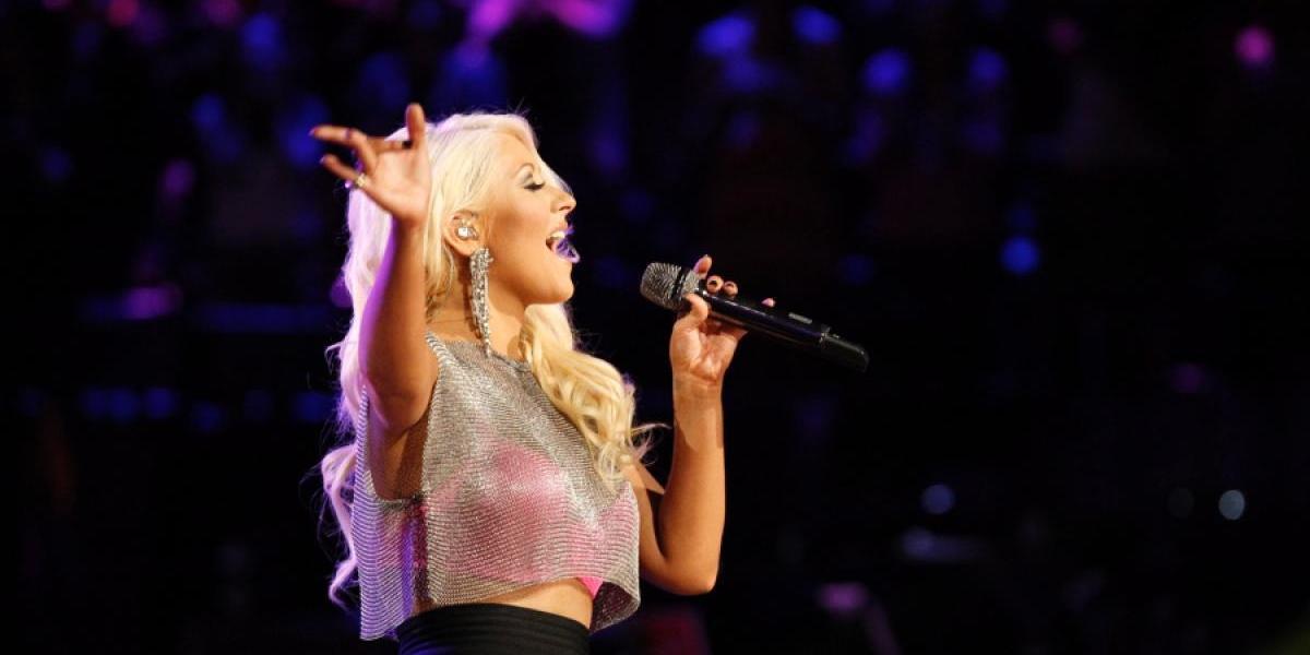 Christina Aguilera encima del escenario