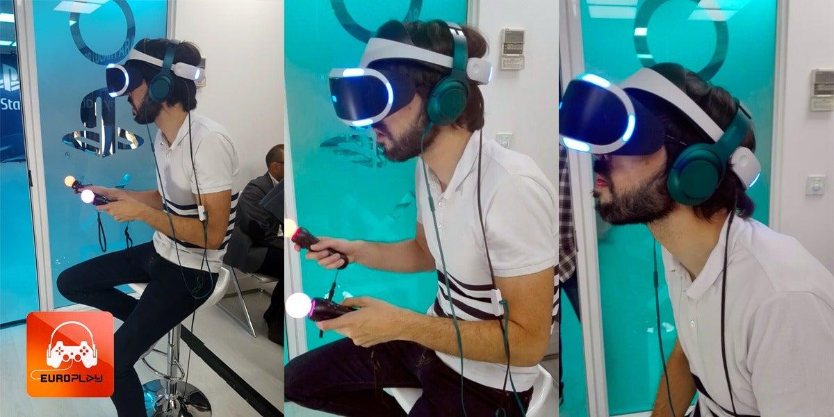 Quique Peinado, conductor de EuroPlay, probando las VR