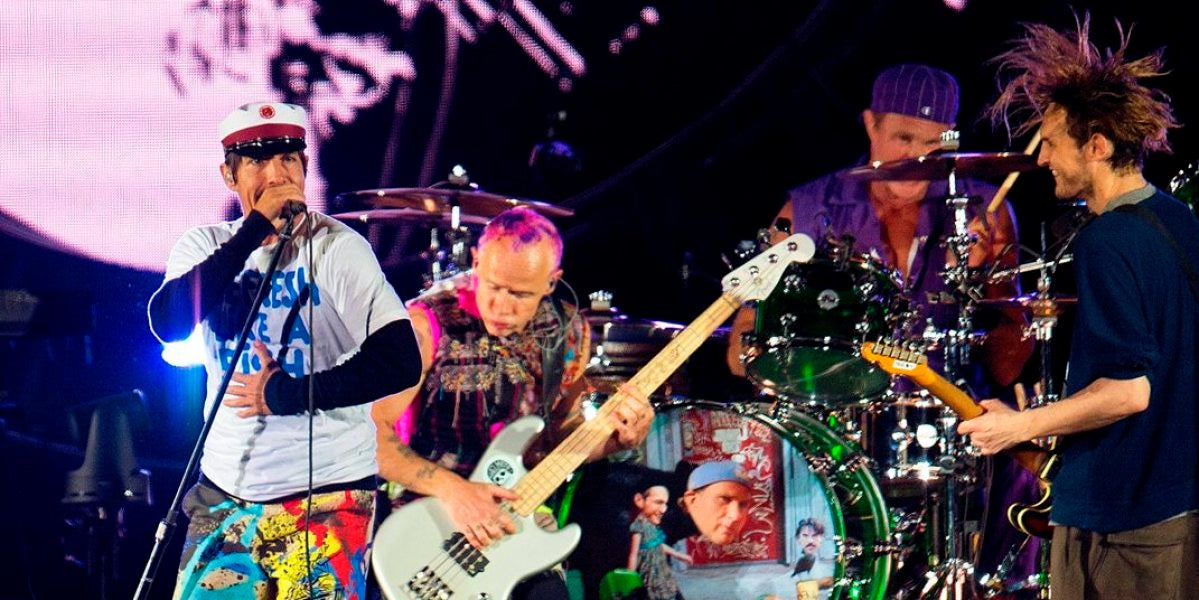 Los Red Hot Chili Peppers durante un concierto
