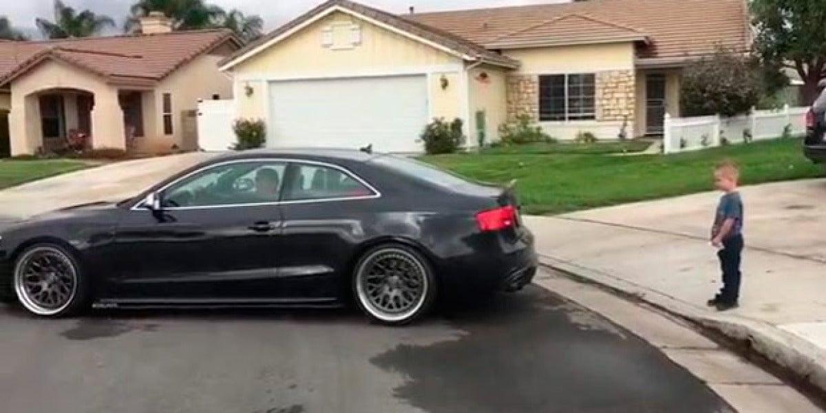 Le arranca el diente con un Audi S5