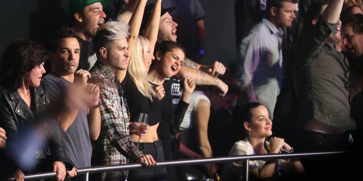 Sia, Selena Gomez y Katy Perry disfrutando de un concierto de Britney Spears en Las Vegas