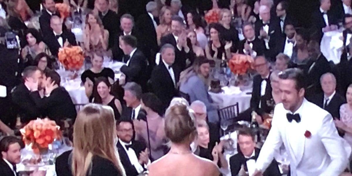 El beso entre Ryan Reynolds y Andrew Garfield