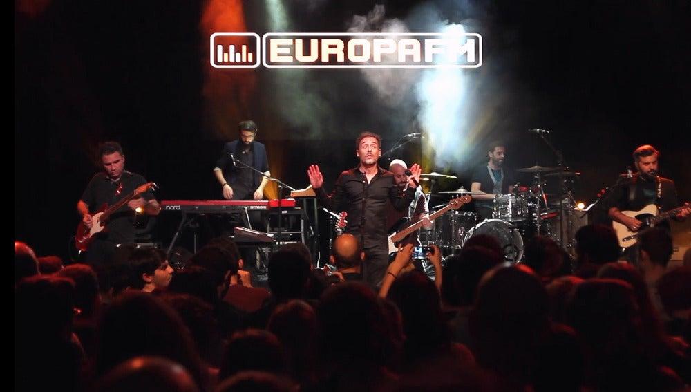 Love Of Lesbian durante el showcase para los oyentes de Europa FM