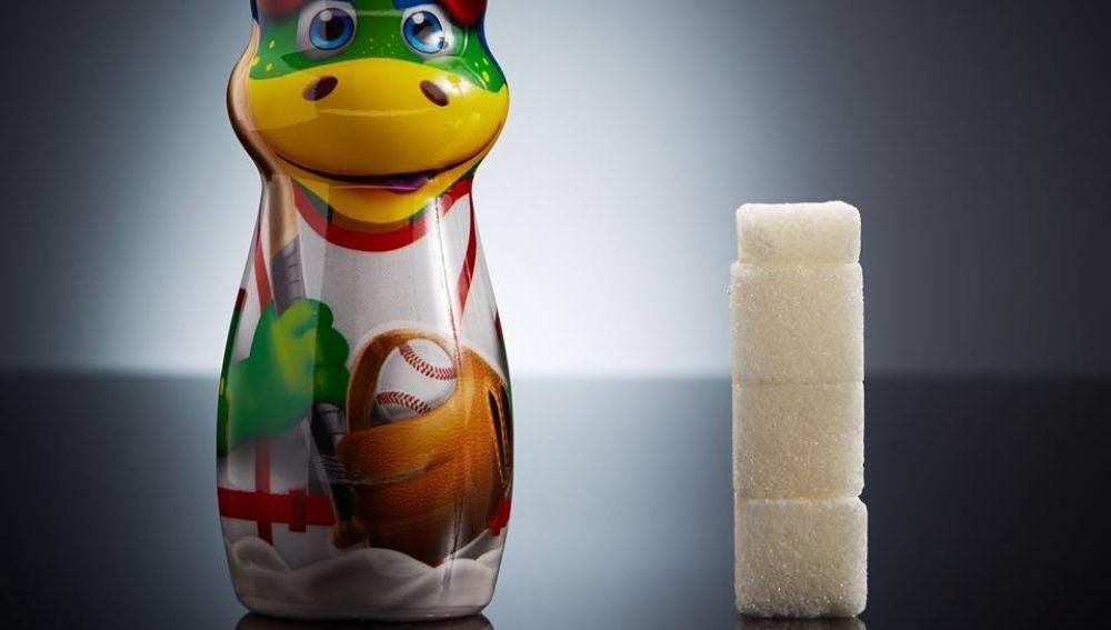 Una botellita de Danonino Bebedino contiene 13,4g de azúcar, equivalente a 3,4 terrones.