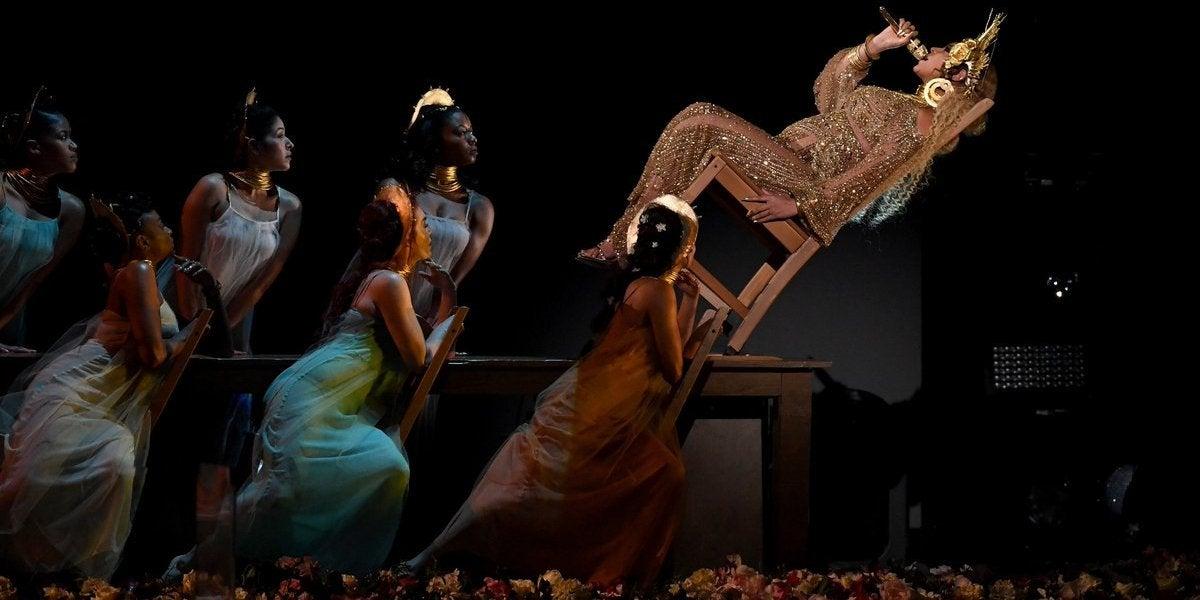 La actuación de Beyoncé en los Grammy 2017