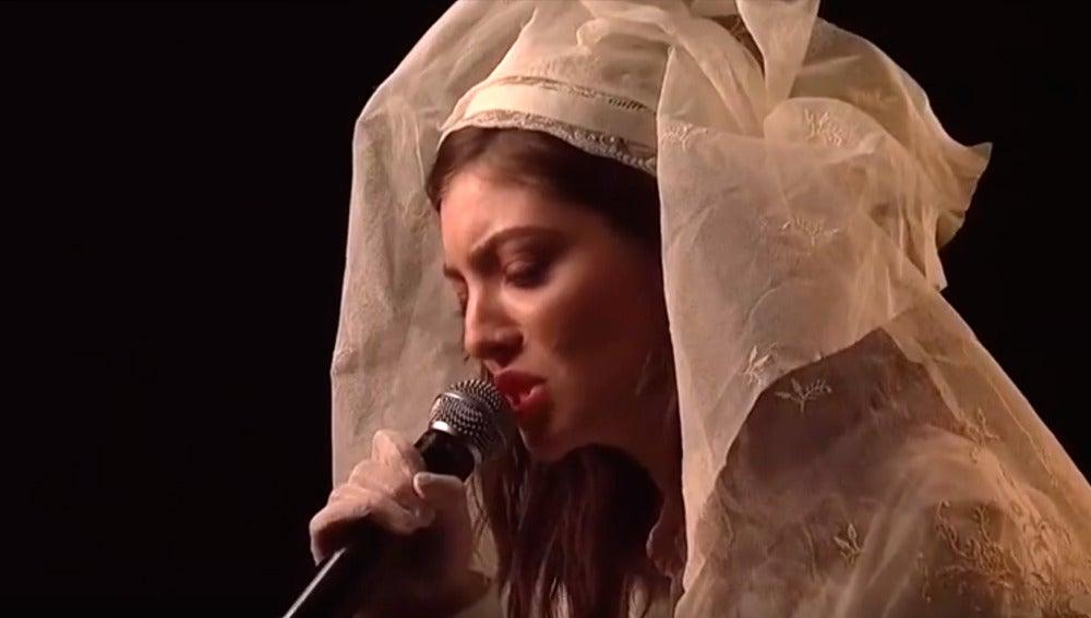 Lorde interpreta en directo Green Light