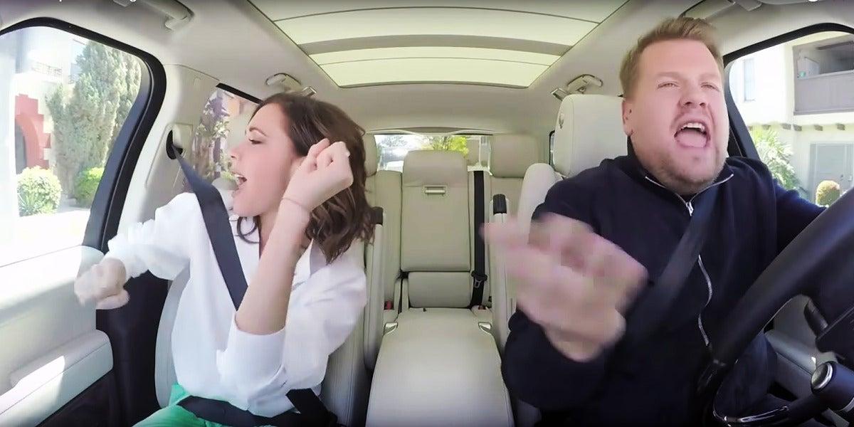 Victoria Beckham canta 'Spice Up Your Life' en el Carpool Karaoke
