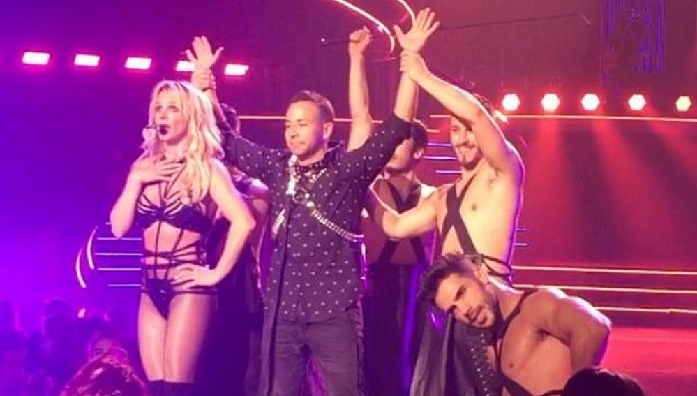 Howie en el espectáculo de Britney Spears en Las Vegas