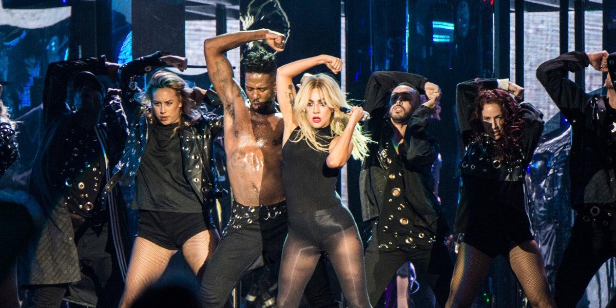 Lady Gaga durante su concierto en Coachella 2017