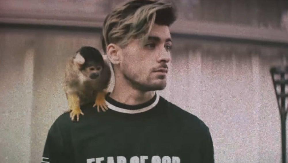 Zayn en el videoclip 'Still Got Time'