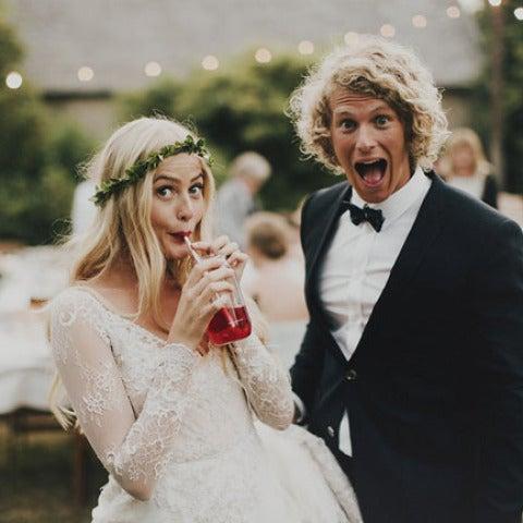 Una pareja en su boda