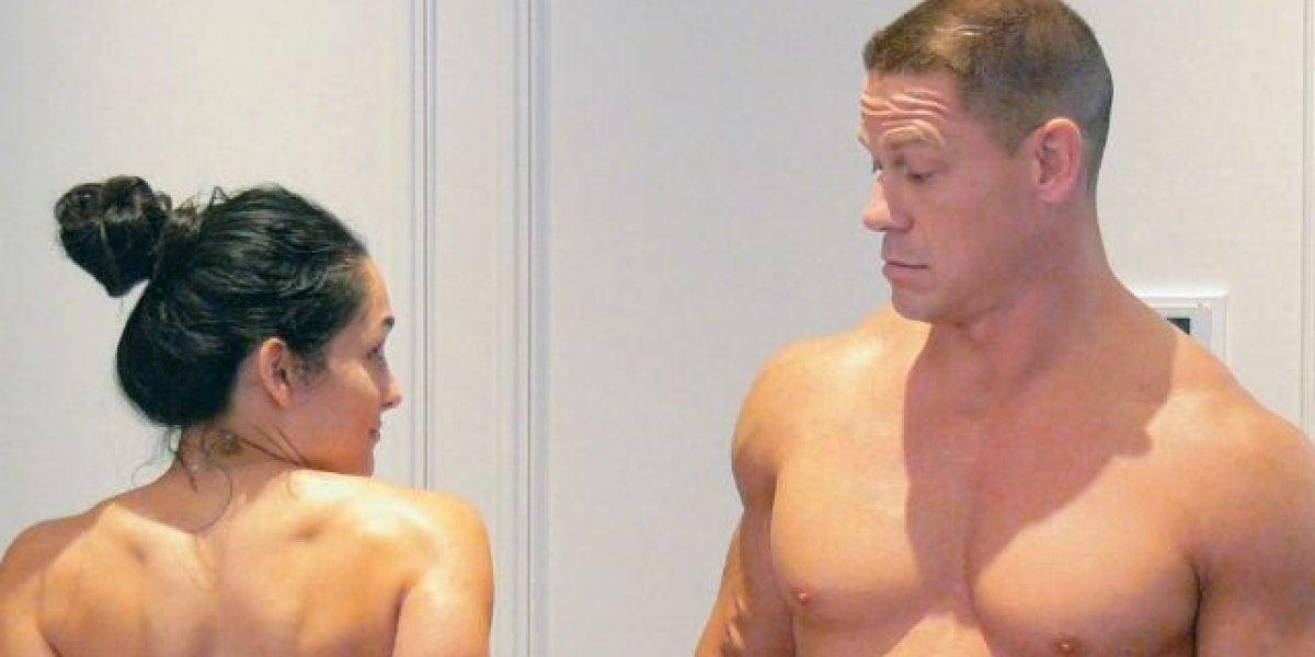 John Cena y Nikki Bella se desnudan en Youtube