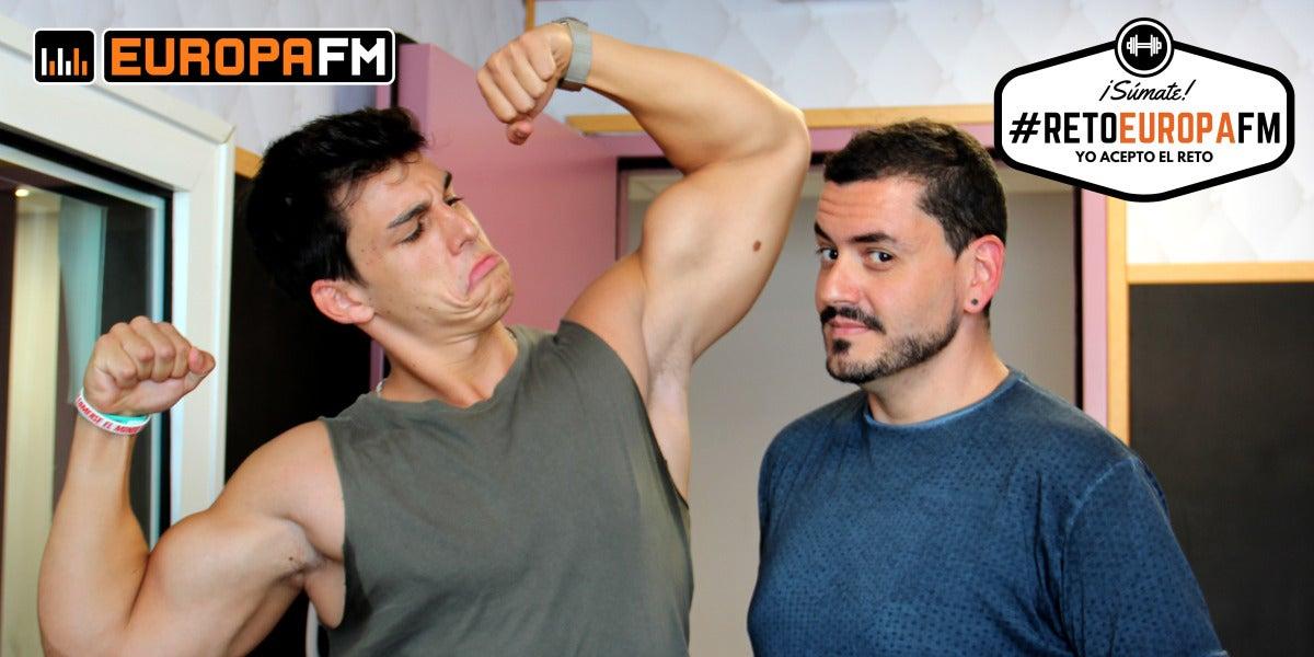 Ernest The Fitness Boy le propone a Juanma Romero un nuevo mini objetivo del #retoEuropaFM