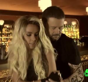 Cristina Pedroche y Miki Nadal se meten en la piel de la Shakira de Vallecas y el Maluma maño en 'Fichaje', el videoclip del Zapeando 900