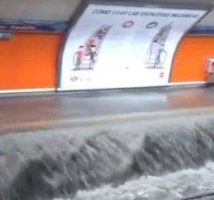 Una estación del metro de Madrid inundada