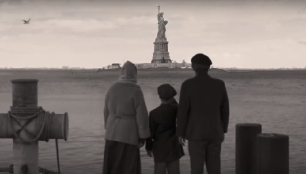 Videoclip 'Miracles (Some Special)' de Coldplay
