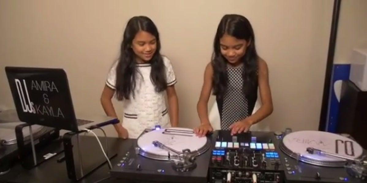 Las DJ Amira y Kayla