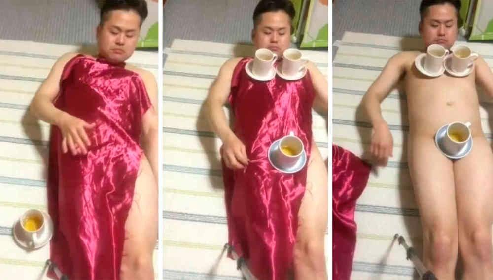 Consigue hacer el truco del mantel sobre su cuerpo desnudo