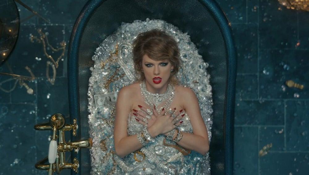 Taylor Swift en el videoclip de 'Look What You Make Me Do'