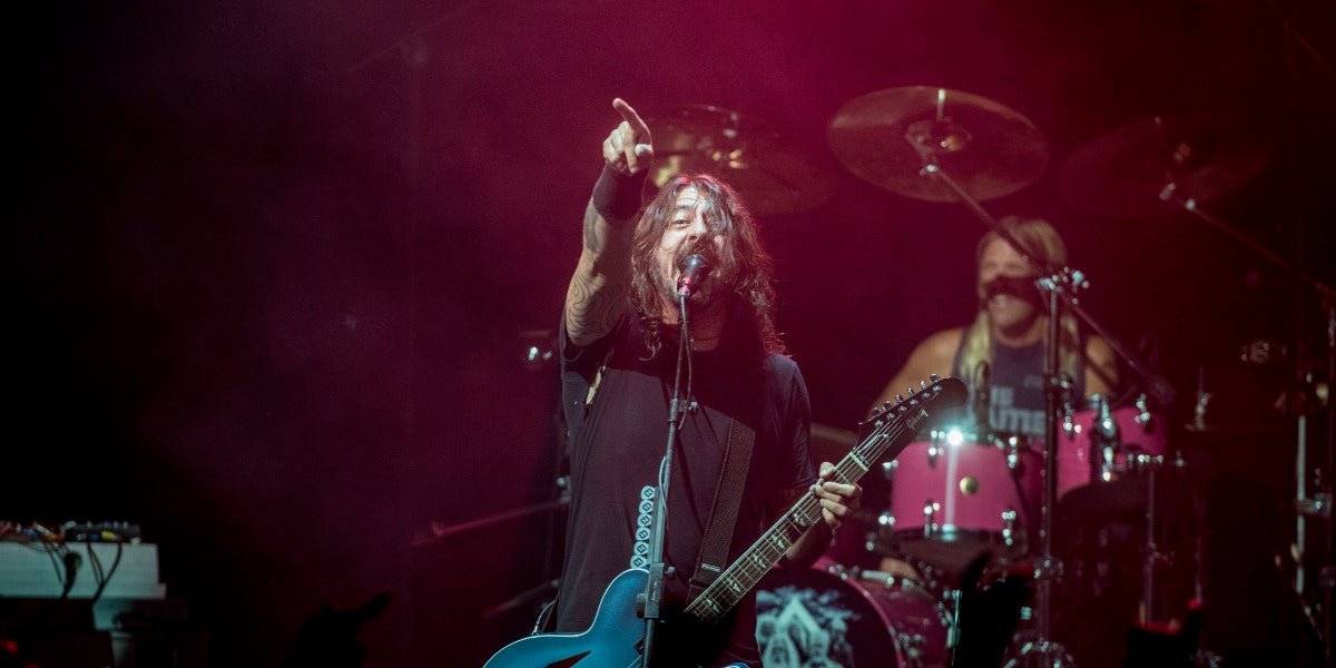 Foo Fighters arrasa con 3 horas de concierto en su Secret Show en Barcelona