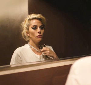 Lady Gaga en una escena de 'Gaga: Five Foot Two'