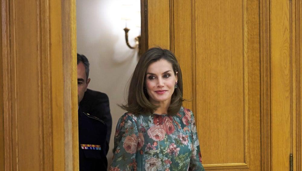 Letizia Ortiz luce un vestido de Zara
