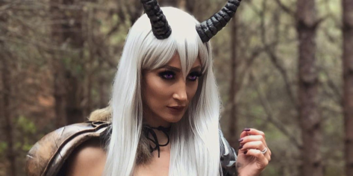 Holly Wolf, la cosplayer más sexy de la red
