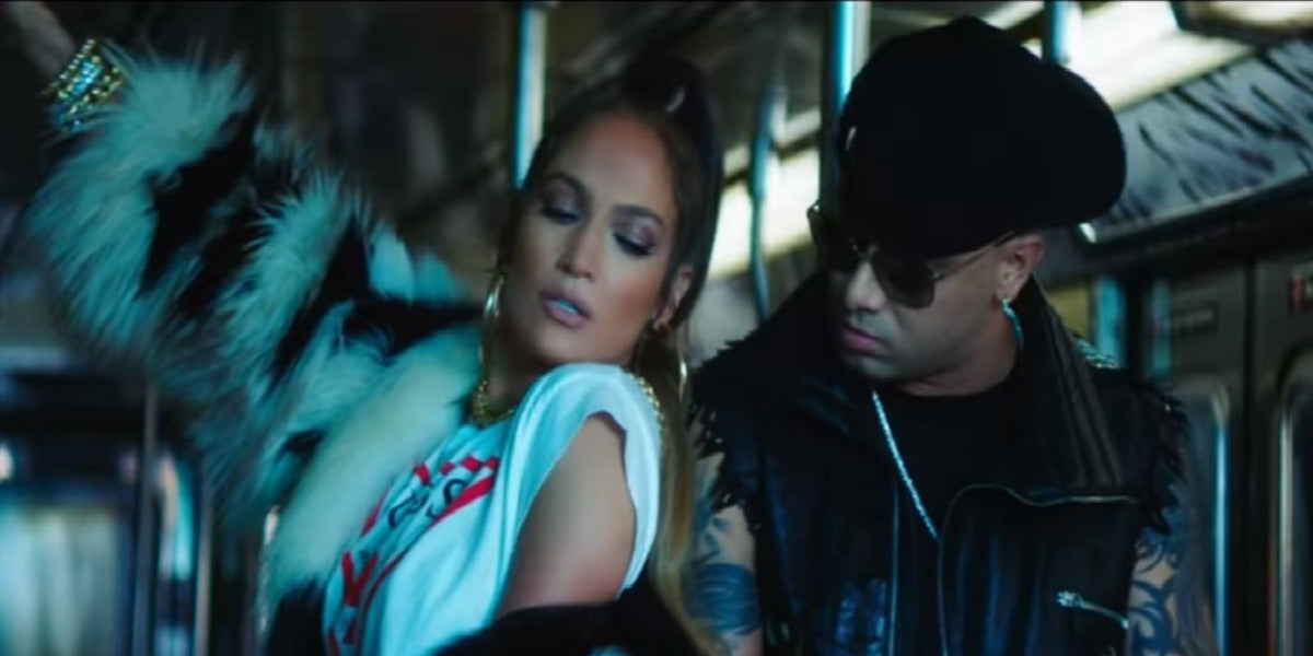 Jennifer López y Wisin en el videoclip de 'Amor, amor, amor'