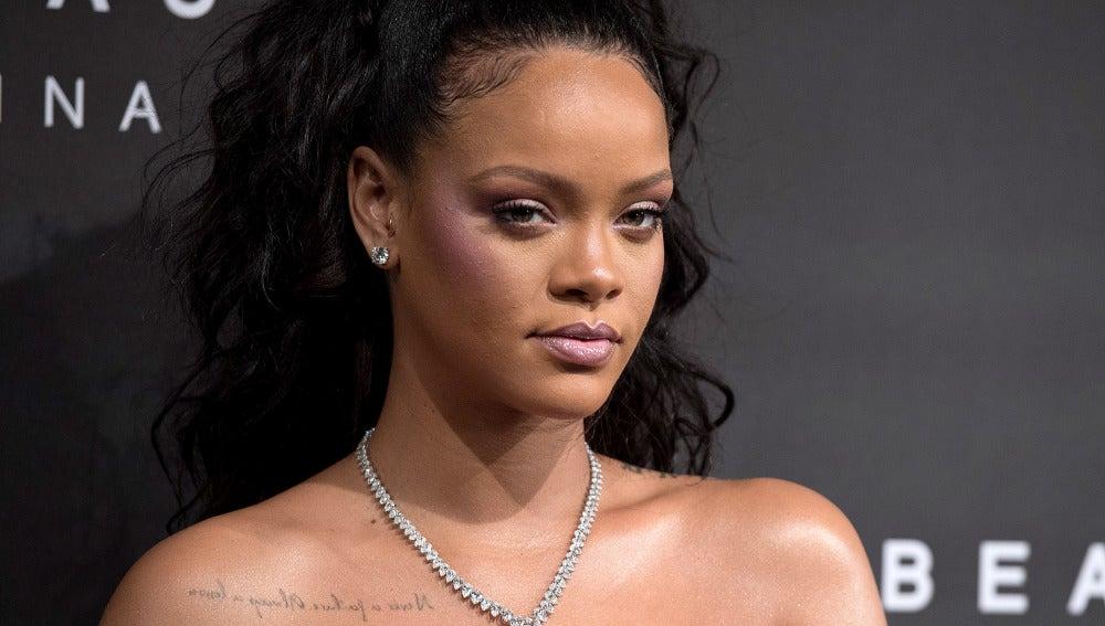 Rihanna presenta su línea de maquillaje, Fenty Beauty, en Londres