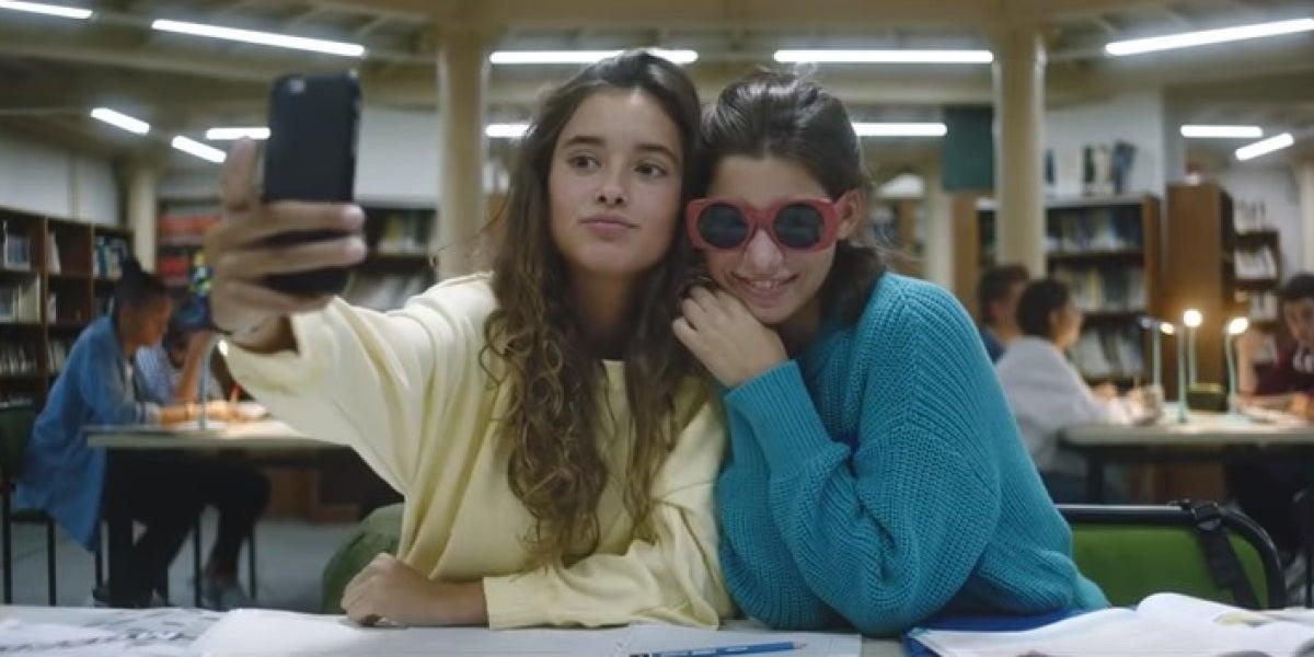 'Famosa' reinterpreta su mítico villancico adaptado a los adolescentes de hoy en día