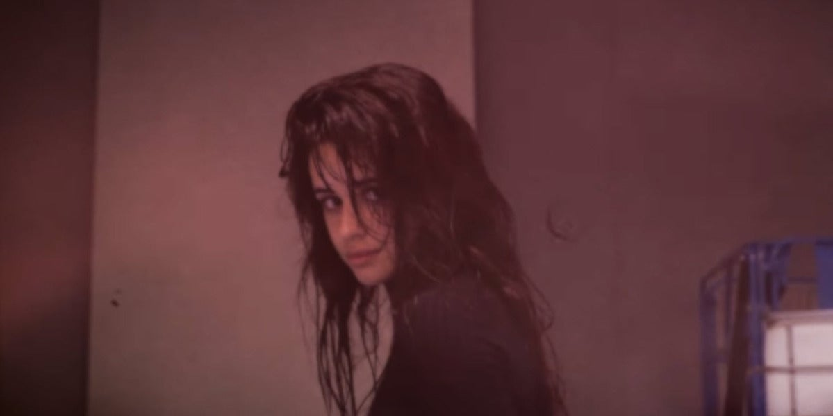 Camila Cabello en el vídeo de 'Never Be The Same'