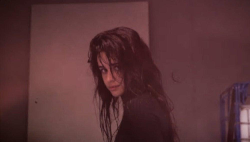 Camila Cabello en el vídeo de 'Never Be The Same'
