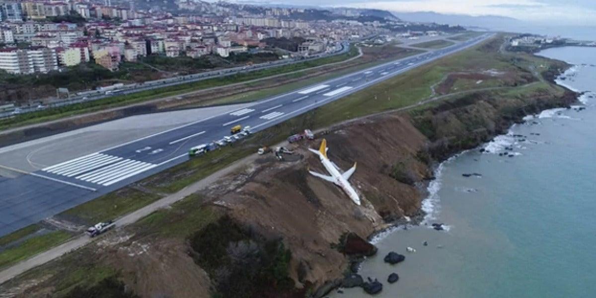 Un avión turco se sale de la pista