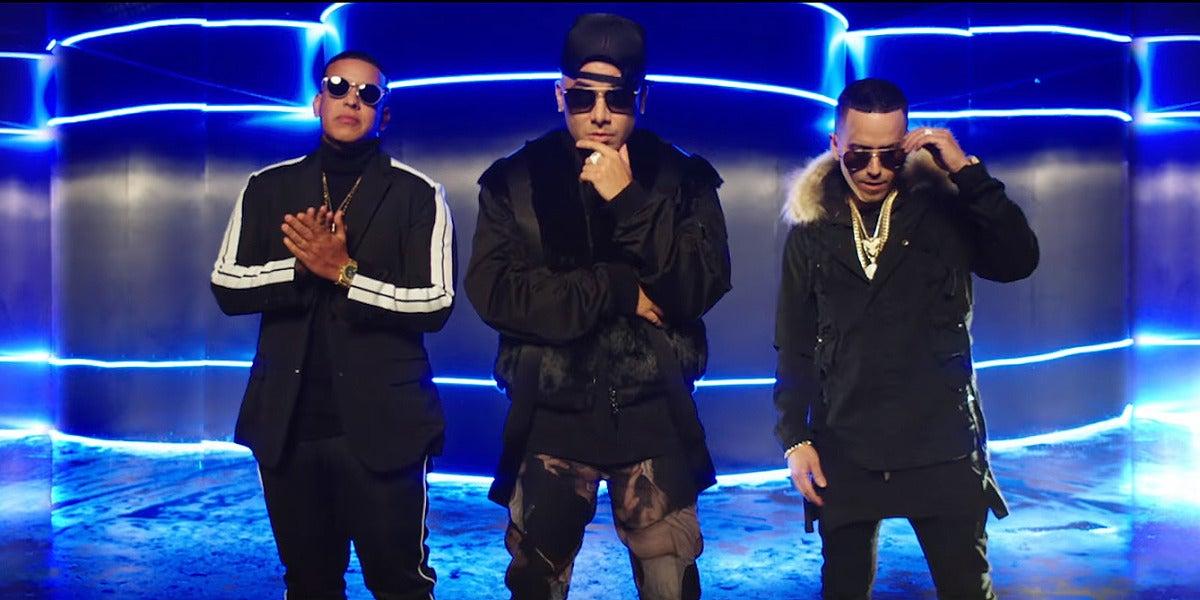 Wisin, Daddy Yankee y Yandel en el videoclip de 'Todo Comienza En La Disco'