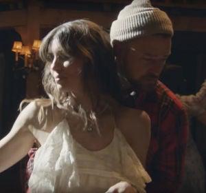Jessica Biel y Justin Timberlake en el videoclip de 'Man Of The Woods'