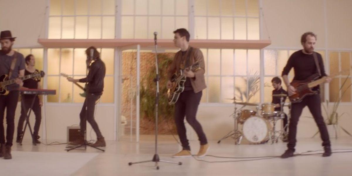Comandante Twin en el videoclip de 'Hay una luz'