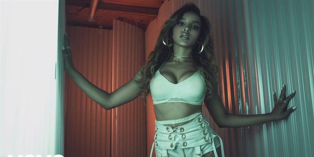 Tinashe en el vídeo de 'Faded Love'