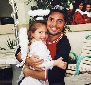 Chayanne junto a su hija Isadora cuando era pequeña