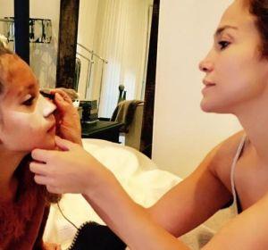 Jennifer Lopez con el disfraz de su hija