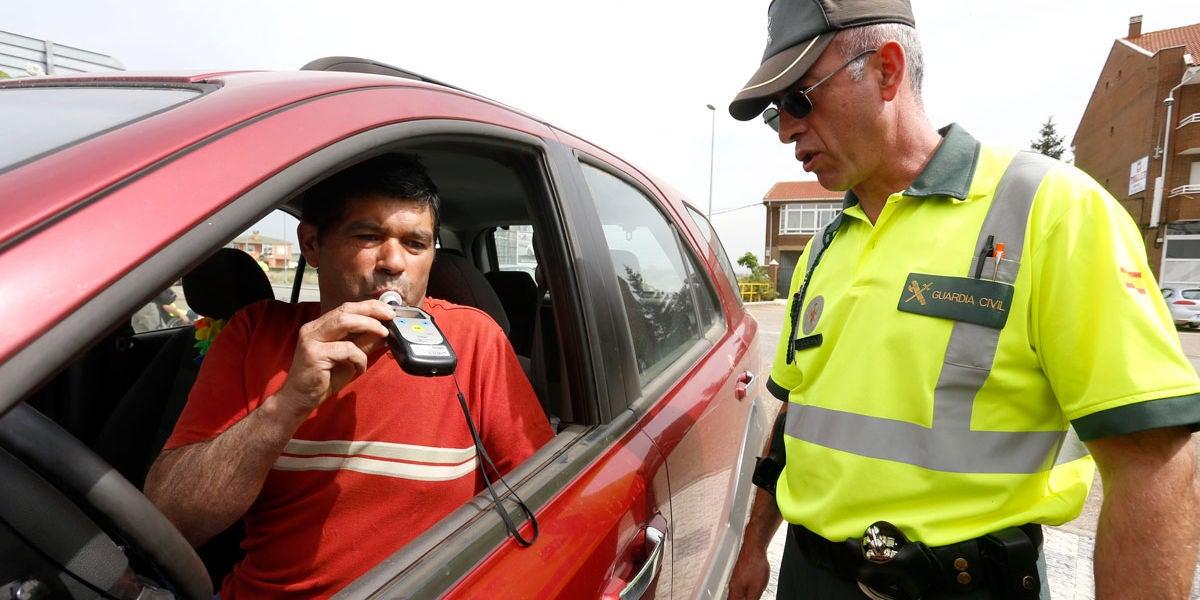 control-alcohol-dgt-guardia-civil-0617-01