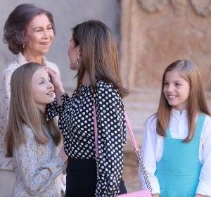 La reina Letizia junto a sus hijas y Doña Sofía