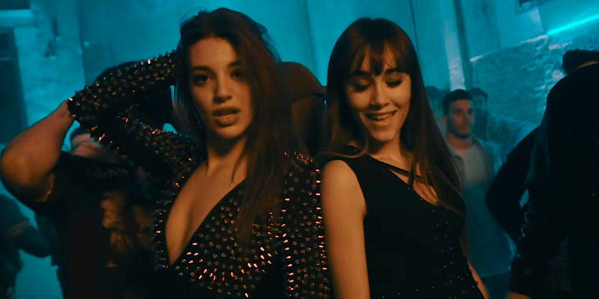 Ana Guerra y Aitana en el videoclip de 'Lo Malo'