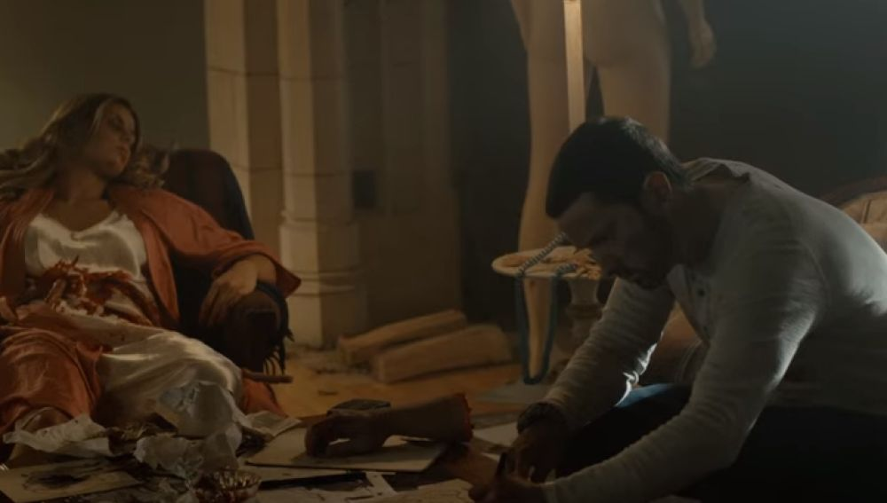 Eminem se convierte en un asesino en serie en el videolcip de 'Framed'