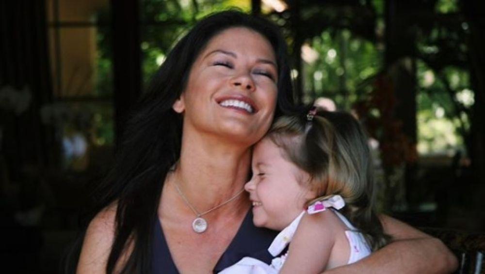 Catherine Zeta-Jones con su hija Carys