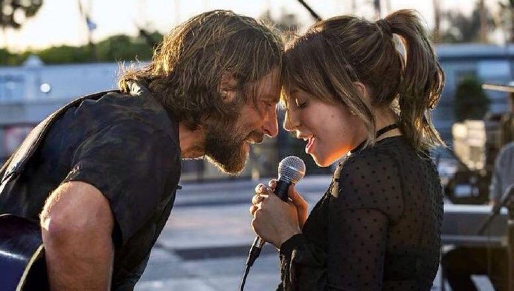 Bradley Cooper y Lady Gaga juntos en 'Ha nacido una estrella'