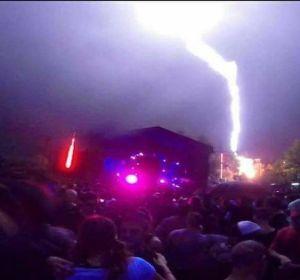 Cae un rayo en el festival Trance XV de Argentina