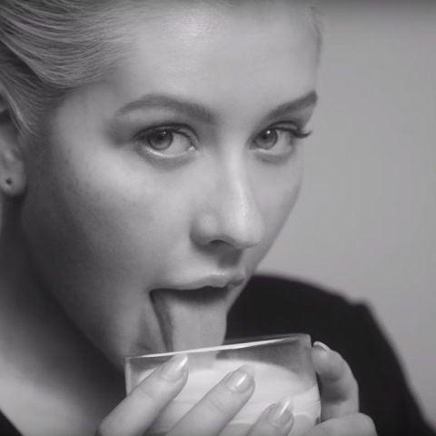 Christina Aguilera en el vídeo de 'Accelerate'